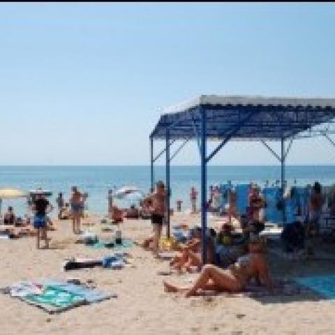Краснодарцы укрепят пляжи Евпатории.