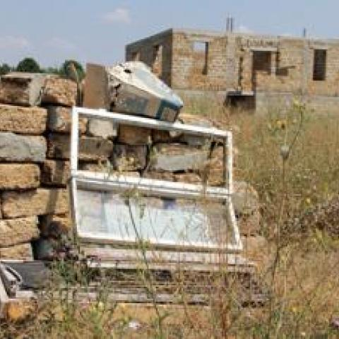 Незаконные строения на полянах протеста намерены снести до конца года.