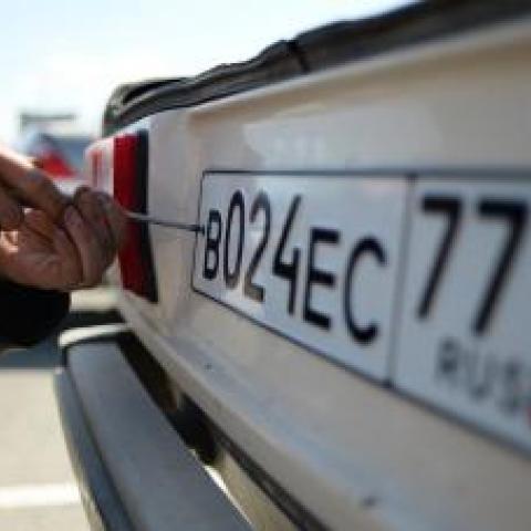 Крымским автомобилистам не будут продлевать сроки перерегистрации авто.