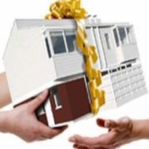 Семейная сделка с недвижимостью. Как отчуждать объекты недвижимого имущества родственникам?