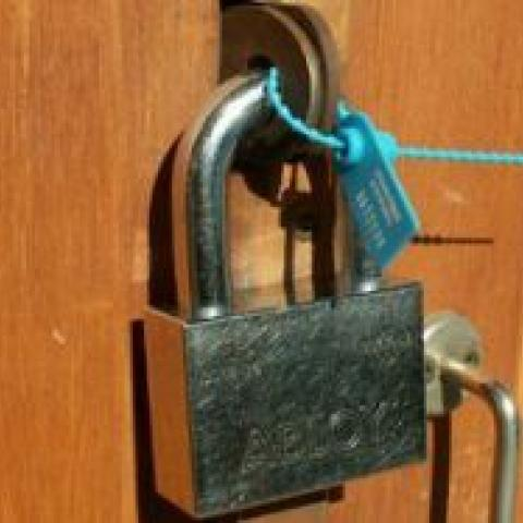 Запрет на продажу квартир с долгами усугубит риски покупателей.