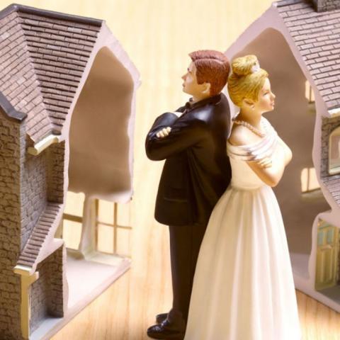 Как уберечь свое имущество при разводе с супругом.