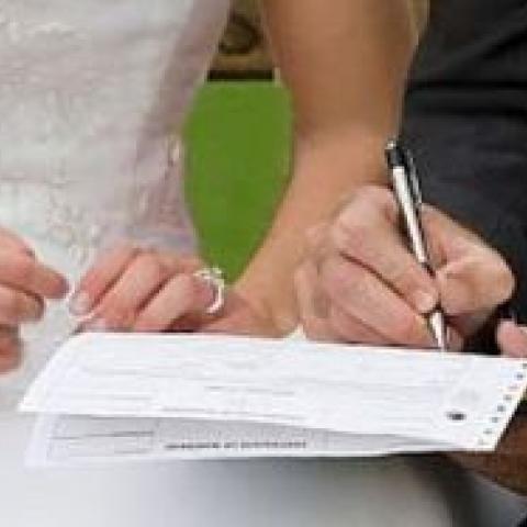 Заключите брачный контракт, чтобы избежать проблем с недвижимостью.