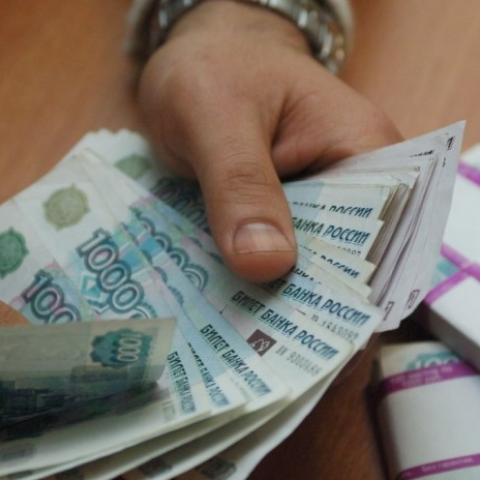 Путин поручил определить организацию, которая будет взимать долги крымчан по украинским кредитам.