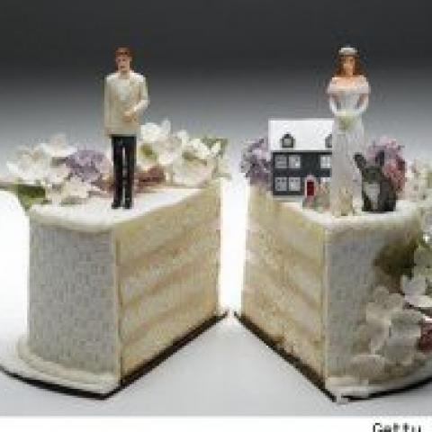 Когда лучше покупать квартиру – до свадьбы или после?