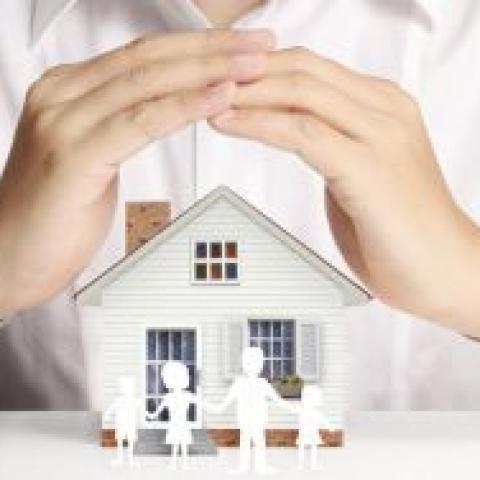 Доля без риска. В России растет спрос на страхование недвижимости.