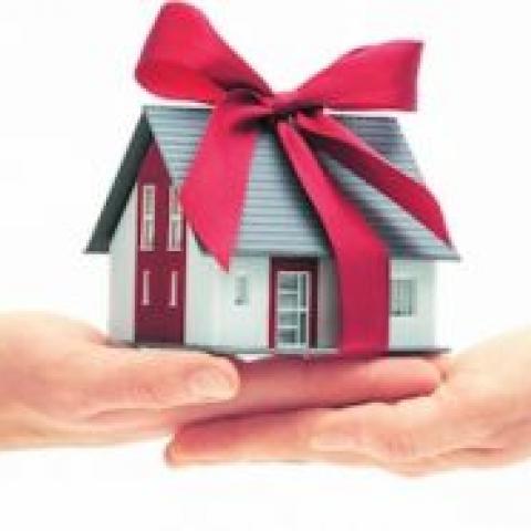 Дарение квартиры: скрытые опасности.