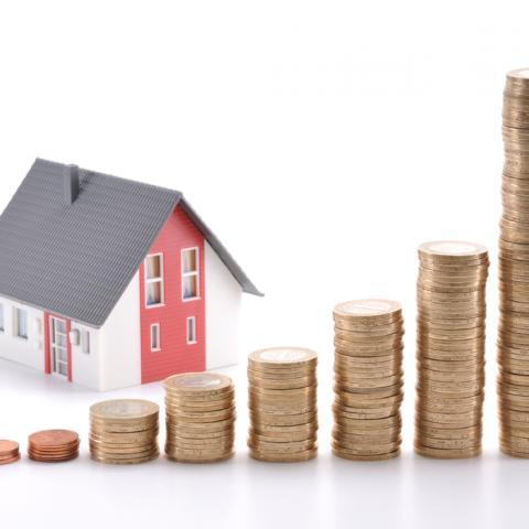 Квартирная премия: россияне смогут снизить налог на недвижимость на треть.