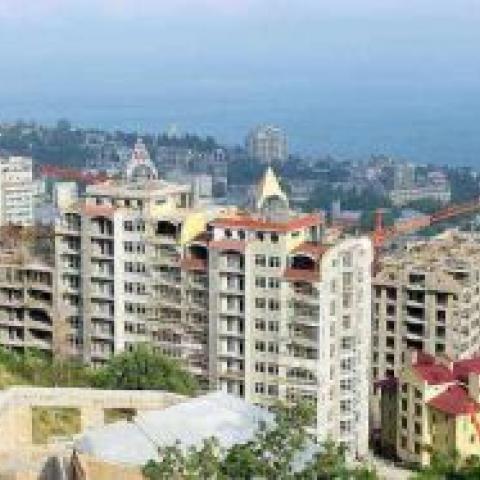 Присоединение Крыма к России обрушило рынок жилья на полуострове.