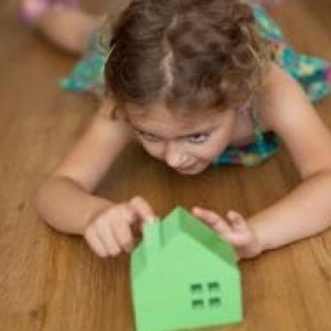Собираясь в будущем продавать квартиру, не делайте собственником несовершеннолетнего ребенка.