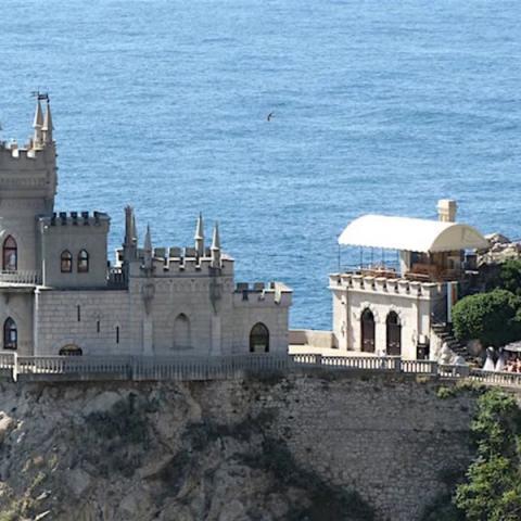 Путин заявил о популярности Крыма у туристов.