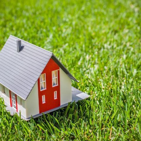 Как правильно зарегистрировать дачный дом, чтобы избежать сноса.