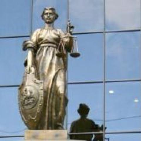 Кто жил в доме, тот и прав. Верховный суд разъяснил, как принимать наследство без визита к нотариусу.