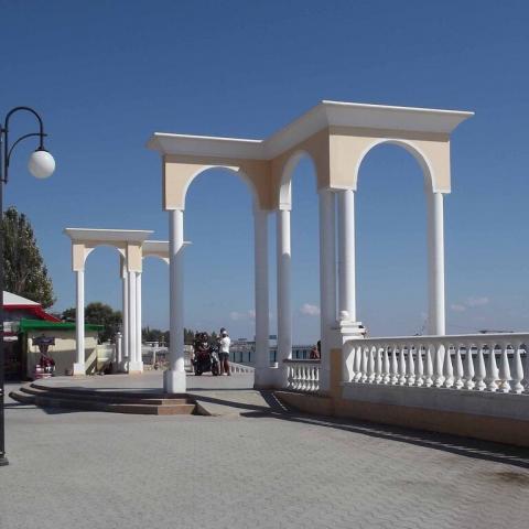 15 июля Евпатория вместе с Родионом Газмановым отмечает День курортника.