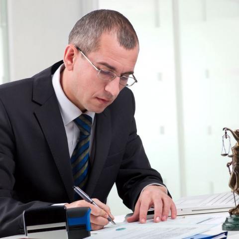 Собственник онлайн. Закон разрешит через нотариуса удаленно оформлять квартиры.