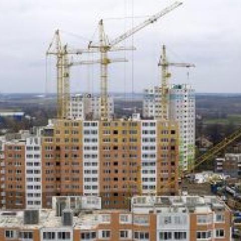 Объемы строительства жилья выросли во всех федеральных округах РФ кроме Крыма