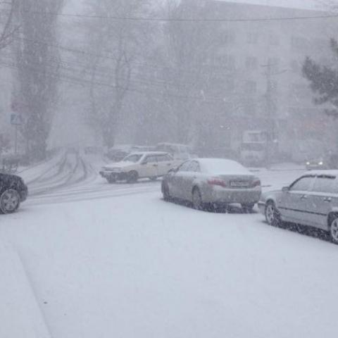 В Крыму ожидается сильный снег и гололед.