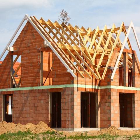 В России запустят программу поддержки возведения частных домов.
