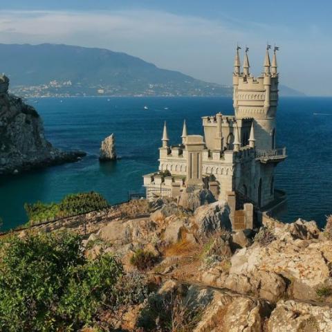Жители материковой России стали чаще покупать недвижимость в Крыму.