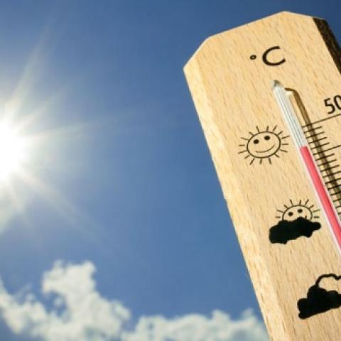 В Крыму жара, а море скоро закипит - уже до +27